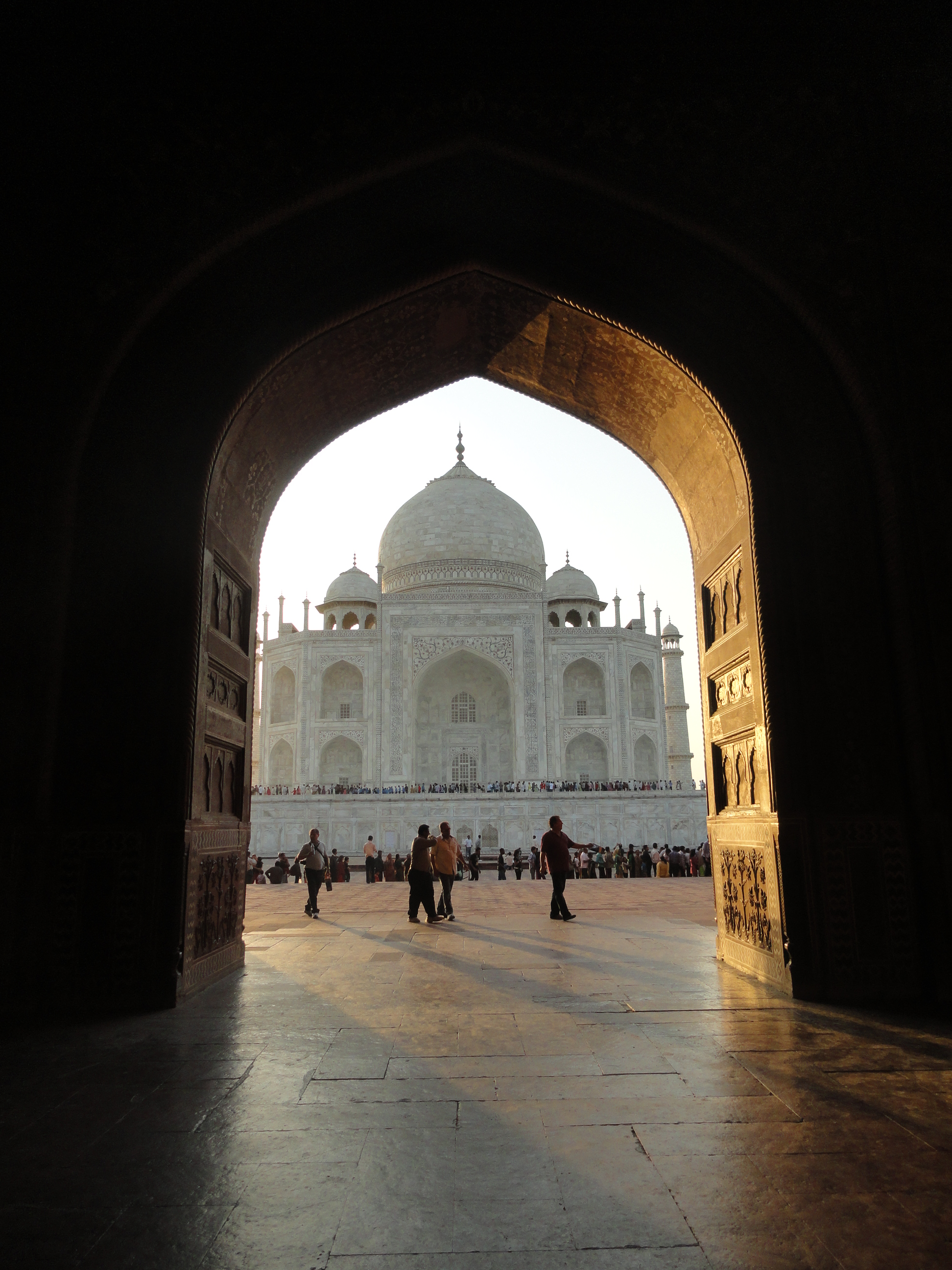framing the view of the taj mahal