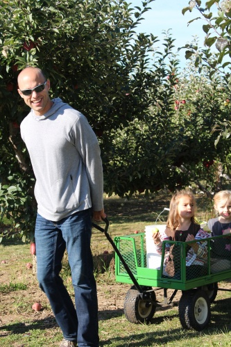 Family days are every day at Hansen Orchard.