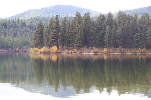 Placid waters, fall colors along the Lewis & Clark Trail