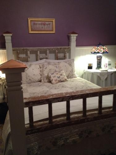 Lilac Room, Laurel Oak Inn