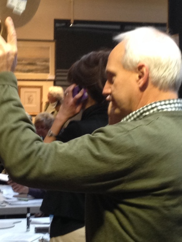 Taking those phone bids at Case Antiques auction, Knoxville