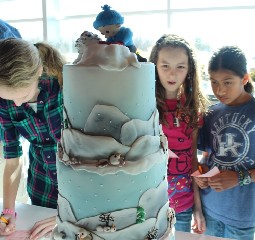 With so many people voting for Tammy Jo Geckler's Calvin & Hobbes cake, we knew it would win, and it did: 1st Place, Intermediate Division, All-Occasion - Fondant.