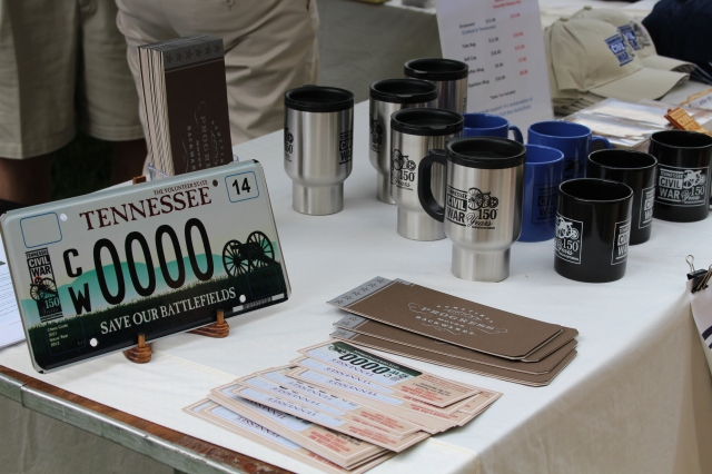You could find commemorative mugs and license plats at the Knoxville Civil War Roundtable booth.