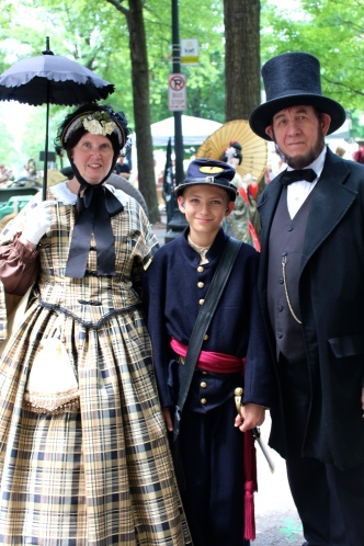 Tom & Sue Wright with grandson Kyle Wright pose as Mary, Tad, and Abe Lincoln