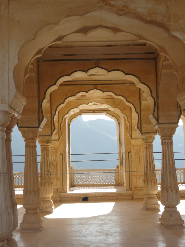 A graduated view of the arches in Amer Fort.