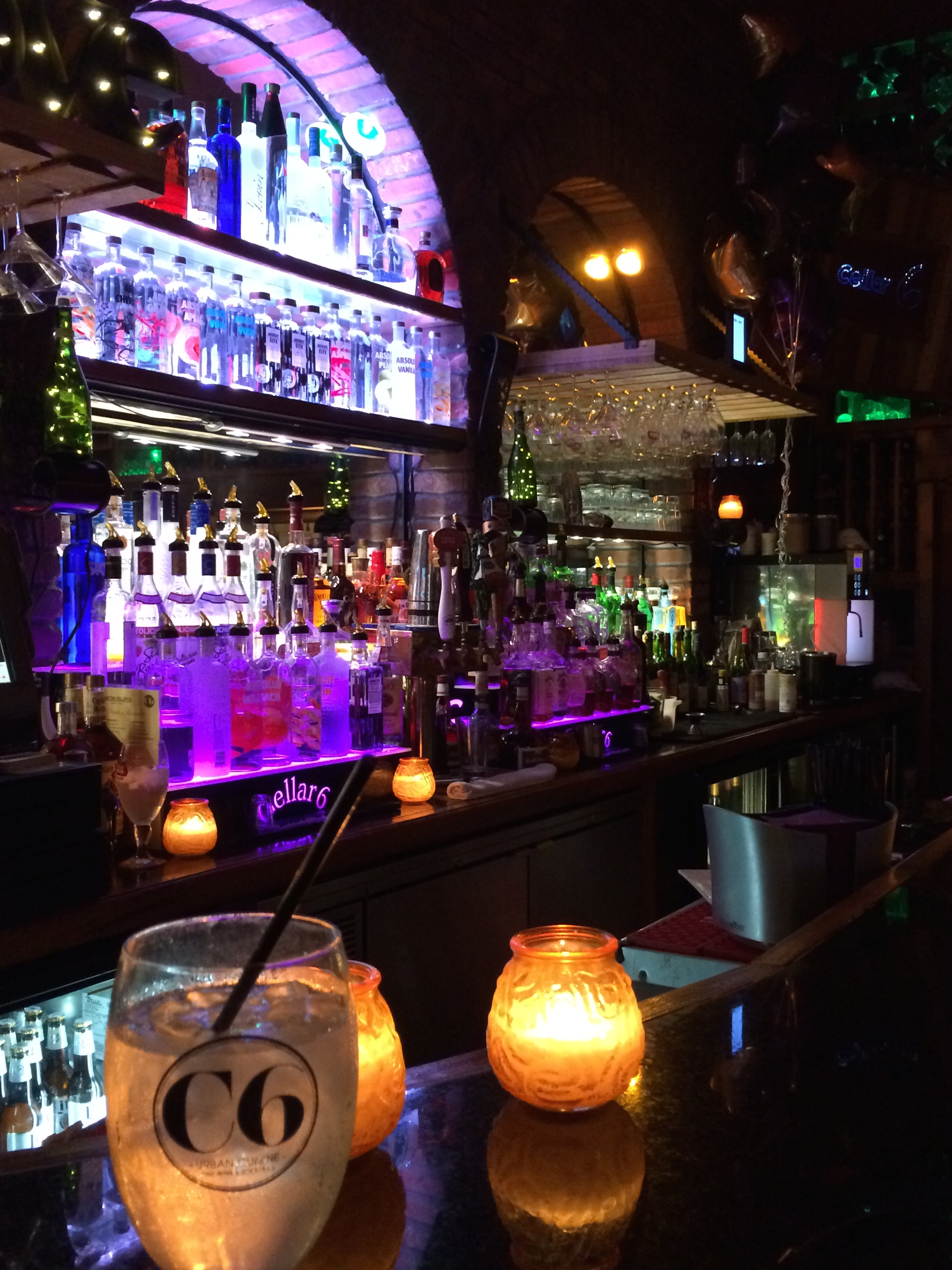 Sitting At The Bar Cellar 6 St Augustine Fl Oh The Places We