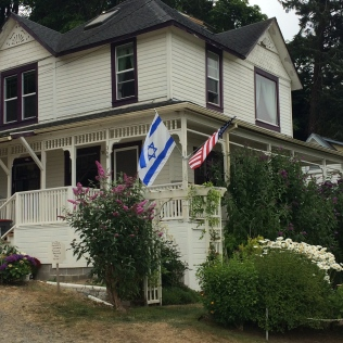 Stand on the road in front of The Goonies house, but be prepared to wait your turn for pics!