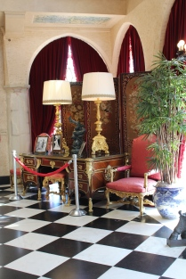 Black and white checkerboard floors, arched doorways: Ca' d'Zan