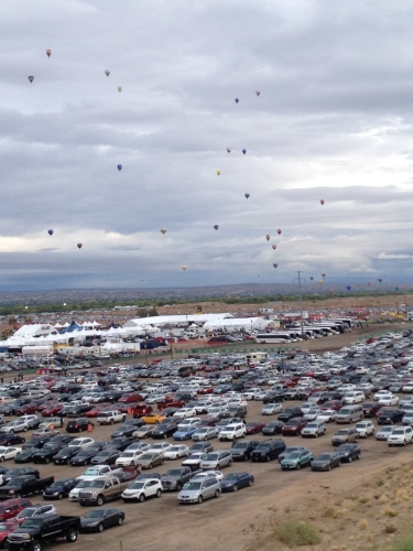 Parking lots are packed even as early as 5:00 AM at Balloon Fiesta.  Go early!