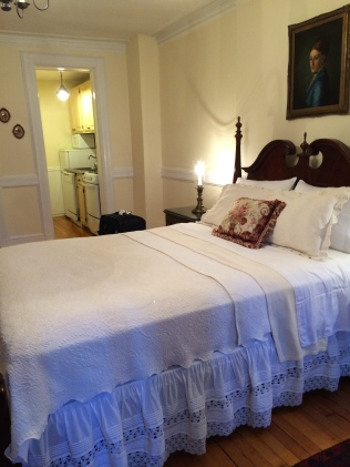 Spacious bedroom with comfy bed in a quiet part of NYC.