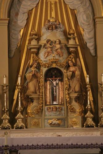 Mencapai langit - Louis Cathedral Saint