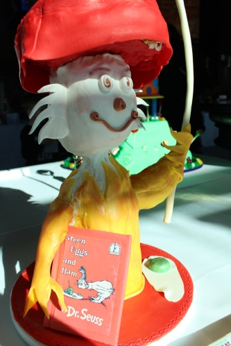 Dr. Seuss cake for Green Eggs and Ham