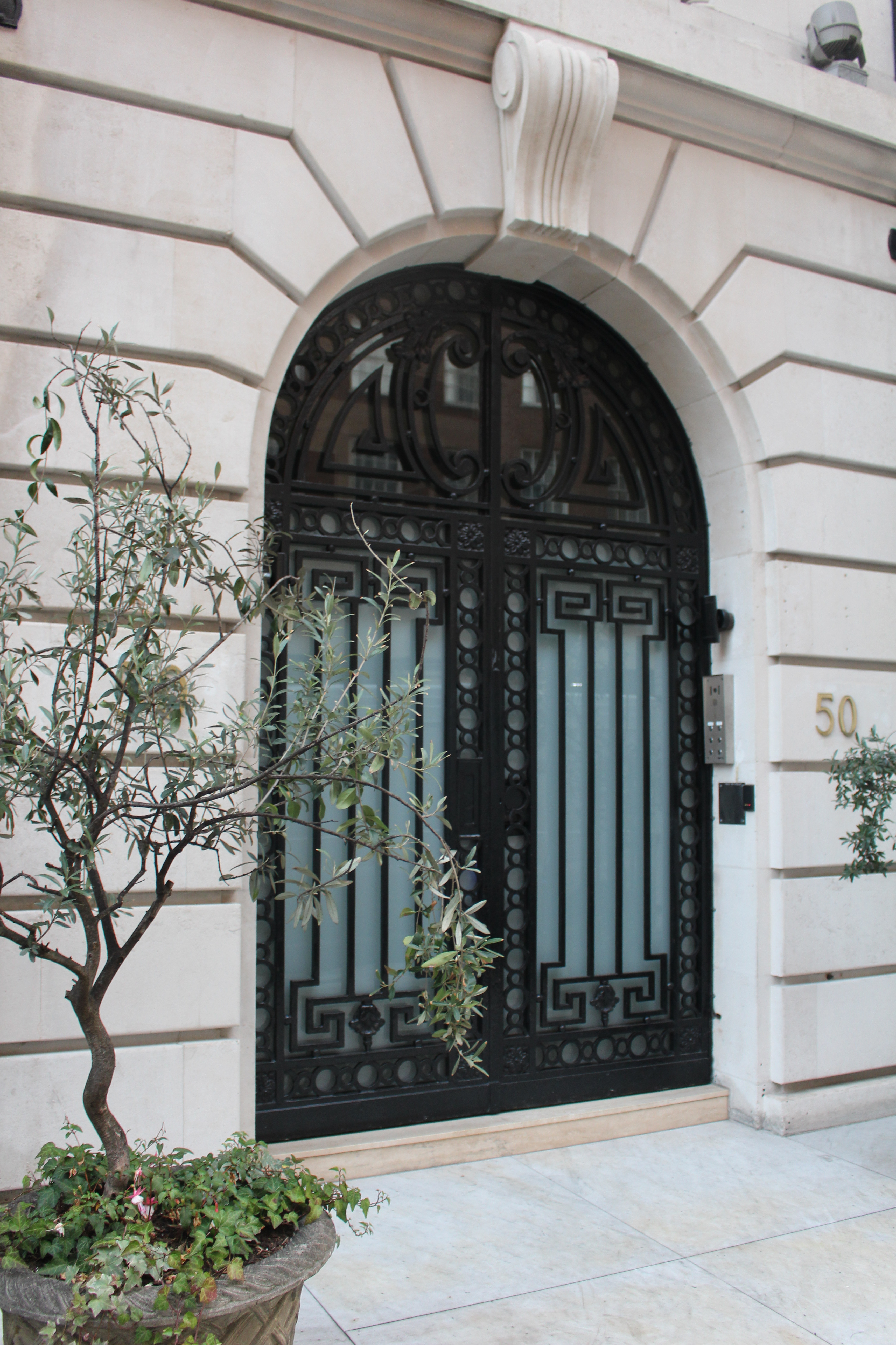 Ornate door London\u0027s Park Street & Shiny and black: Doors on London\u0027s Park Street | Oh the Places We ...