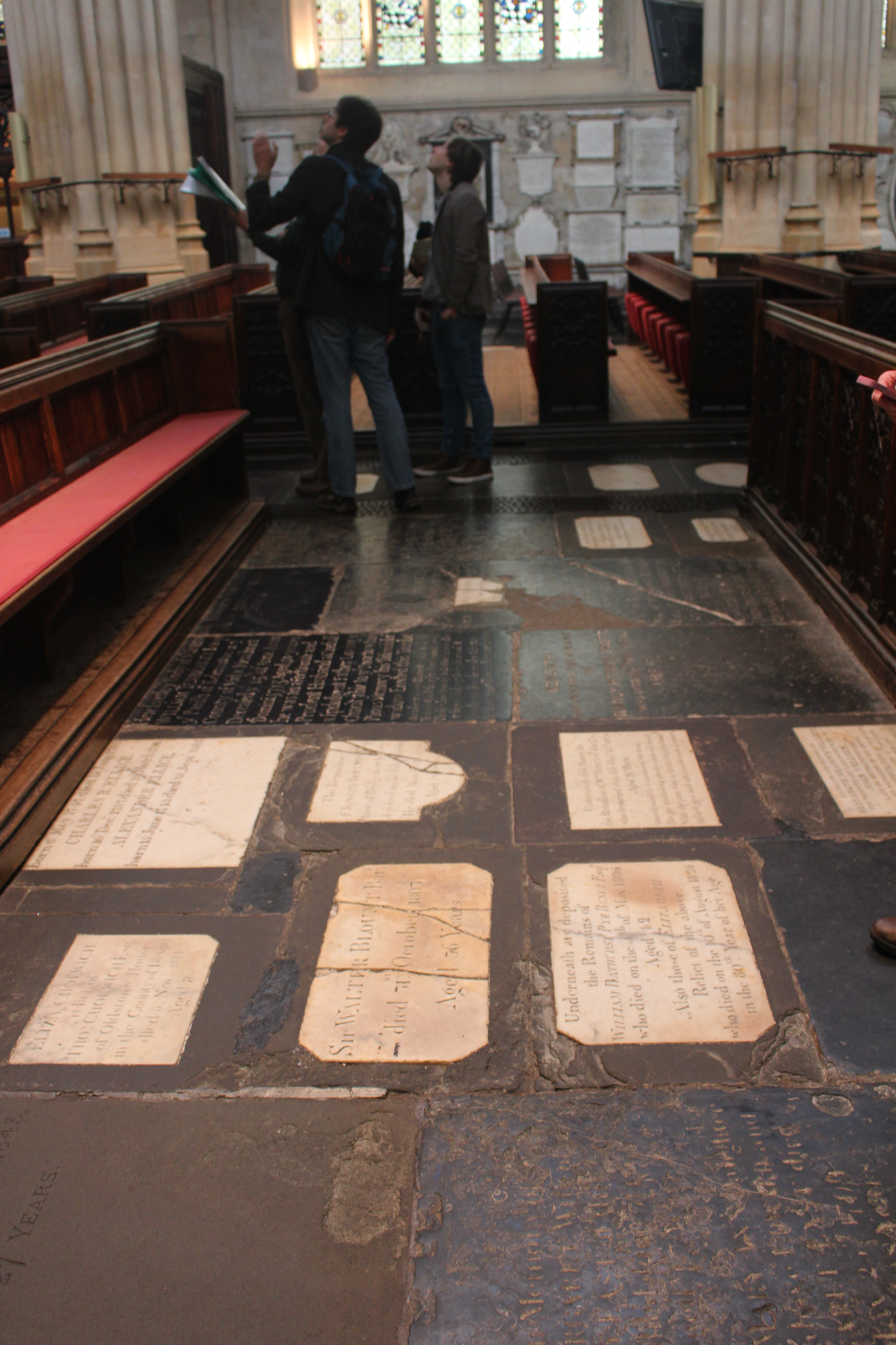 Floor stones in bath abbey oh the places we see for Abbey floor