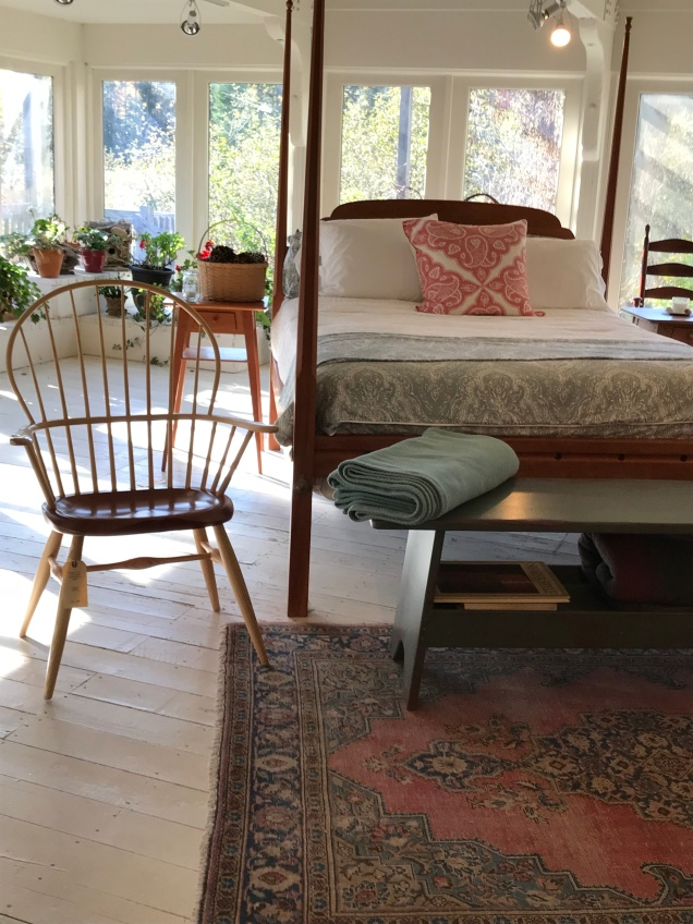 Pencil post bed and Windsor chair on display at Windsor Chairmakers