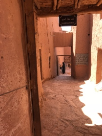 Narrow alleyways: Ait Ben Haddou