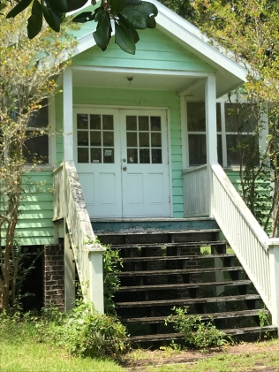 Pretty little home: McClellanville, SC